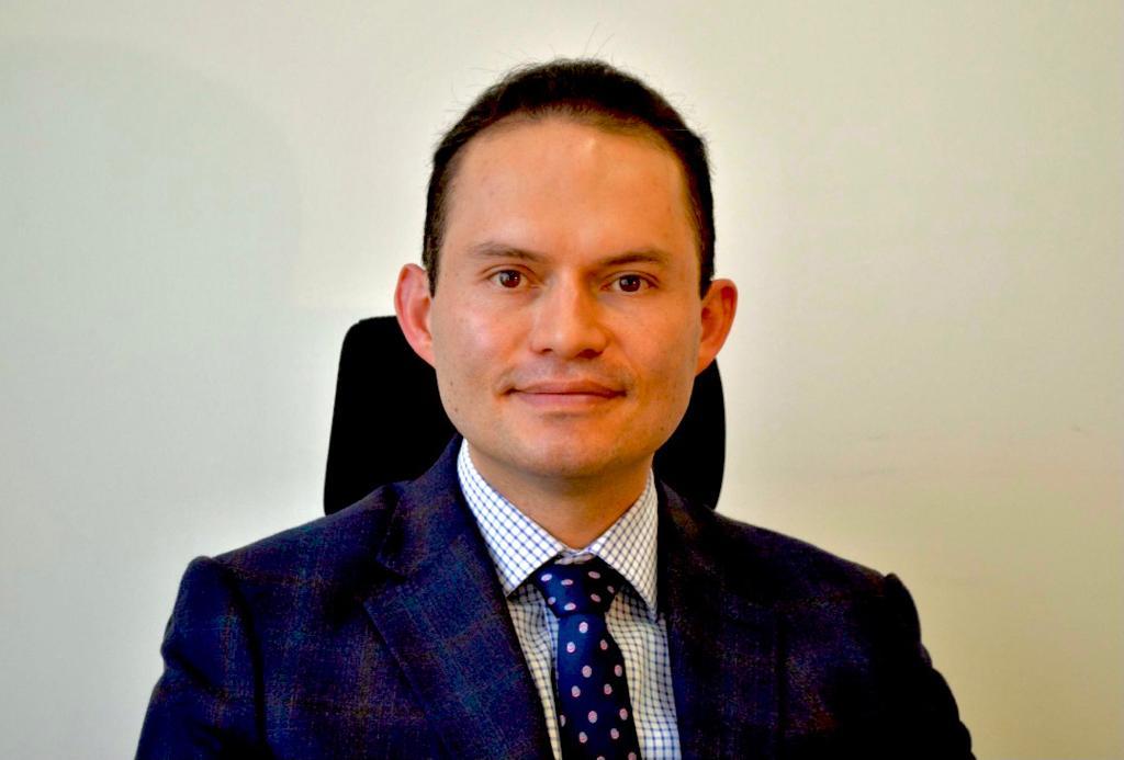 Dr. Juan Pablo Riveros